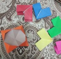 折り紙で、写真のようなユニットを幾つか繋げて輪にするのを子供が習って来ました。花火というのか、万華鏡というのか、くるくる内向き、外向きに回して遊ぶらしいです。 子供は6個繋げたので すが、あまりスム...