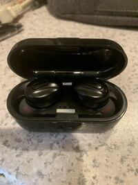 このワイヤレスイヤホンどこのメーカーかわかる人教えてください。 Bluetoothイヤホン イヤフォン