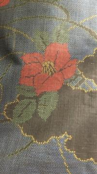 この着物は大島紬でしょうか?  また、大島紬か他の紬かの見分け方のコツはありますか? 色々検索してみたのですがよく分からなくて…。