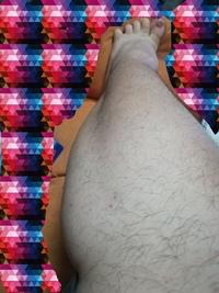 ふくらはぎの筋肉なのですか左のポコッてなっている筋肉これは何筋というのでしょうか