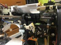ミシンの部品の品番もしくは入手出来るショップを教えて頂きたいと思います。 JUKIのコンピューターミシンの allowne 008の写真のベルトが掛かった歯車がプラスチックで出来ていて割れてしまい使えなくなってしまいました。 出来れば入手して直したいと思っております。 何卒宜しくお願い致します。