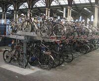 日本の駐輪場も海外の自転車置き場みたいに後輪のU字ロック対応の駐輪場にならないですかね? 自転車というよりホイールの盗難の方が心配なんです。