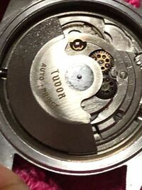 チュードルレンジャー 9050にETA 2451 のムーブメントは偽物?またケースの刻印 も微妙なんだけどどうでしょうか? わかるかた教えてください。