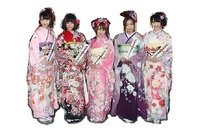 AKB48 全盛期BEST5ヒット曲  下記の5シングルでどれが好きですか。 ※回答は1つでお願いします。 ・ヘビーローテーション https://www.youtube.com/watch?v=lkHlnWFnA0c ・Everyday、カチューシャ https://www....
