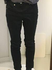 黒スキニーを初めて買ったのですがこれってサイズ的にあってなかったりしますか?