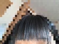 美容院で前髪を切ってもらったのですが 全体的にすいて欲しいと頼んだにも関わらず こんな風に毛先だけスカスカです (T_T) (T_T)  本当に嫌で仕方ないのですがほかの美容院に行って治すことできますか?そ...