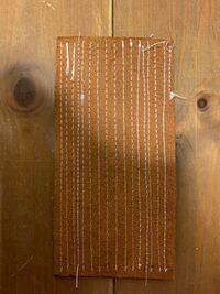 SEIKO TE-5を購入して革2.5ミリの物をオルガン針DP21、上糸8番下糸5番(ビニモ)で縫っていますが押さえ圧調整ツマミ、糸調子皿、ボビンを調整しても上手く調子が合いませんので教えて頂けませんか?