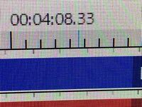 Aviutlの拡張編集のこの青い線を消す方法を教えてください。エンコードしようとすると青い線で始まって、青い線で終わります。