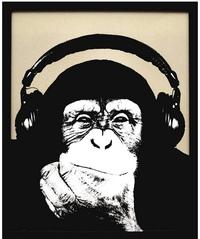 アルバムのジャケットのタイトルが思い出せません、、、 この画像のように黄色の背景にヘッドホンをした猿のジャケットのアルバムなんですがどなたかタイトルを知っている方教えて下さい! 洋 楽のインストだっ...