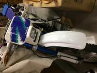 父のバイクについて。 亡くなった父のバイクがあるのですが、その売却方法及び金額で悩んでいます。 家族でバイクに詳しいものがおらず、乗れる人間もいないため売却しようと思っているのです が、近所のバイク...