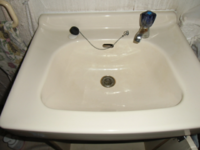 洗面台のこういうハンドルタイプの水栓蛇口を、レバータイプにしたいんですけど交換できますか? レバータイプははめ込む時、サイズは合いますか?