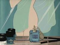 アニメ女キャラが使ってる香水。 峰不二子はCHANEL5を使ってますよね。  他にありませんか?色々