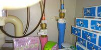 洗面化粧台の混合水栓を業者に取り換えてもらうのですが(水漏れのため)、洗面台の下のキャビネット内のある止水栓も同時に交換すべきでしょうか? 使用歴14年です。  水をとりあえず止めようと思いこの止水栓...