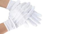 運転手の方がよくしてらっしゃるこの手袋、コンビニにも売ってますか?