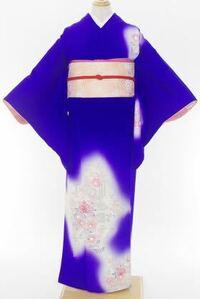この着物と帯は結婚式に来て行くにあたってどうなのでしょうか?この着物と帯に似たようなものが実家にあるので、親族の結婚式に来て行きたいと考えているのですが。アドバイスをお願いします。30代既婚