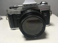 フィルムカメラ初心者です。  MINOLTAのX-300を使っています。突然ミラーアップしてしまいました。  調べたところ、モルトの劣化によることが多いとのことですが、汚れておらず他に原因があ ると思われます。  フィルムカメラにお詳し方、知恵をお貸しください。。