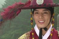 この俳優の名前知りませんか? 韓国の時代劇「トンイ」の最終回に出演していました。