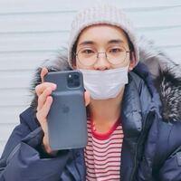 このウォヌが持っているスマホはiPhone11proか、それともMaxですか??