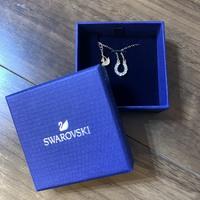 スワロフスキーのネックレスなんですが、 商品名が分からないです。  どなたか分かる方いませんか?