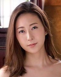 この女優さんの名前は?