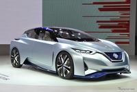 画像の車の色は何ですか?  ちなみに新型ノートe-POWERは2020年発売! フィット、ヤリス、アクアよりカッコいいでしょ。