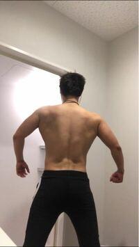 筋トレ始めて一年が経ちました、あまり気にしていなかったのですが最近になって筋肉の左右差を酷く感じてきました。各部位左が強く右に効かない感じがします。背中や胸の左右差改善方法や実体験を教えてください