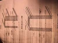 ログハウス購入を迷っているものです。いくら調べてもわからないのが、断熱材を挟んだサンドウィッチログなるものです。第3世代のログハウスなる名称で呼んでいるメーカーもあります。 ①断熱材 とは具体的に何な...