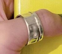 Reolさんが付けているこのリングはどこのブランドかわかる方いましたらご回答お願い致します!