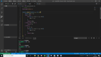 プログラムを書く時、一番上にコメントアウトでプログラムのファイル名を書きますか?