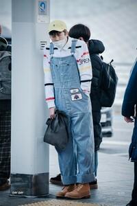 ナムジュンのこの時の写真って何年何月何日のものですか?  bts 私服 空港ファッション RM