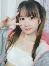 中国のコスプレイヤーの方なのですが、個人的にすごく可愛いと思います。 この顔は整形していますか?