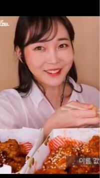 ZARDの坂井泉水さんに似てると思うのは私だけでしょうか?坂井さんてこういう顔しませんか?
