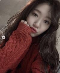 韓国女優のパクシネ ちゃんは平行二重なんですか?韓国では整形は結構してるスターは多いけれど、シネちゃんは生まれつきです。世界の女優さんの中で一番好きなんですが、好きになったきっかけ はよく似てると言...