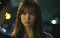 この女優さんの名前わかる方いらっしゃいますか。おそらく韓国の方だと思います。欲を言えばこの写真のドラマのタイトルも知りたいです。写真は2017年に保存したものなので少なくともそれより前のドラマだと思い...