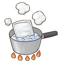 レトルトカレーはお湯で温めますか? それとも電子レンジで温めますか?