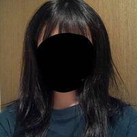 自分の髪の毛が大嫌いです。 美容師に「これは酷いね…」と言われるくらい天パで、おまけに毛量も多くて… 縮毛矯正をかけて、髪の毛は真っ直ぐになっても、量はやはり多いんです。 髪の毛が普通だったらどんなけ世界が変わっただろうなぁとか思う時もあります、 この髪の毛、男子とかが見たら引きますかね…? (これでも縮毛矯正をかけて間もない状態です。)