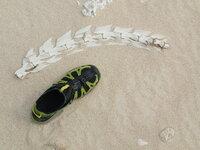 沖縄の離島でのものです。浜にあったこの骨の生物は何ですか? イルカですか?