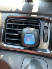 こういうタイプの車の芳香剤って匂いは強い方ですか? また、どんくらい持ちますか? 車の芳香剤でお勧めのやつはどんなものですか?