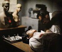 仮面ライダーXの改造手術をした父親役の人は有名な俳優さんなんですか?