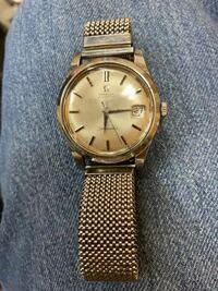 形見で腕時計時計を貰いました。omegaのseamasterという時計なのですが、年式や詳しい名称がわかりません。教えてください。