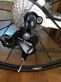 ロードバイクの後輪が上手くはまりません。どうすれば良いでしょうか?