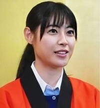 瀧本美織って胸はないけど色気半端なくないですか? なんでですかね? めっちゃ可愛いです。
