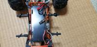 ラジコンのメカ載せ替えで、サーボとアンプのソケットが同一の為困ってます(画像中央3線同士)。同一ソケットを繋ぐパーツはありますか?