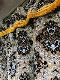 自分あまり詳しくなく、トラックの金華山の種類についてなのですが、金華山 王朝ってとこまで分かっているのですが、こちらのカーテンが何色か分かる方教えてください。