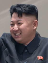金正恩委員長と同じ髪型にしたいんですが、どうですかね? ツーブロックでいいんですか? オールバックにせず、前髪を分けたり垂らしたらかなりカッコイイと思います。