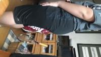このお尻大きいと思いますか? まぁ、自分デブなんで太いなとは思ってるんですけど周りの太ってる人よりも大きいなと思ったので   デブ専 デブ お尻
