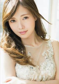 白石真由ちゃん可愛いですよね。 愛称がまゆゆでしたっけ? 男性皆好きですよねまゆゆ。 篠原涼子みたいな綺麗な顔ですよね。  貴方は好き?白石真由ちゃん。