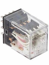 リレー回路を配線し、勉強しようと思ってます。 信号機みたいな回路を作る時、どの電磁式リレーとリレー台を選べばいいのでしょうか?以下がオムロン製の電磁式リレーです。