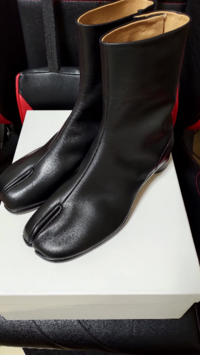 メンズでマルジェラの足袋ブーツってかっこいいと思います? 超流行ってますけども。。