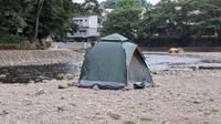 【夏のキャンプ】テントやタープを張るのって面倒ではないですか? とくにペグダウン、地面が砂利などうまくペグが刺さらない場所だと苦労しますよね。  ということで、私は5000円のワンタッチテントを利用して...